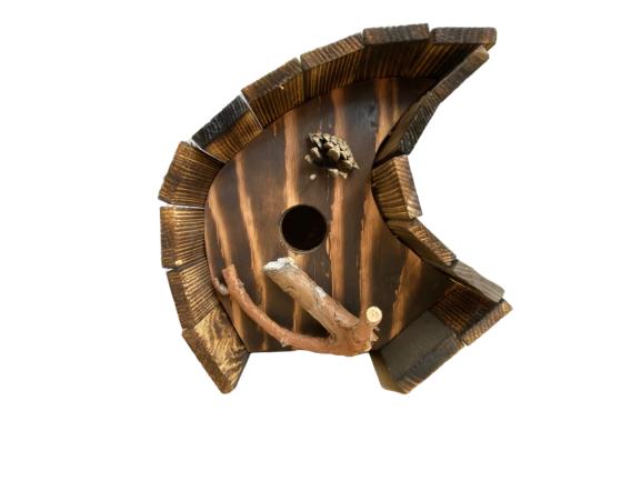 birdhouse-branch-cone-special-wood